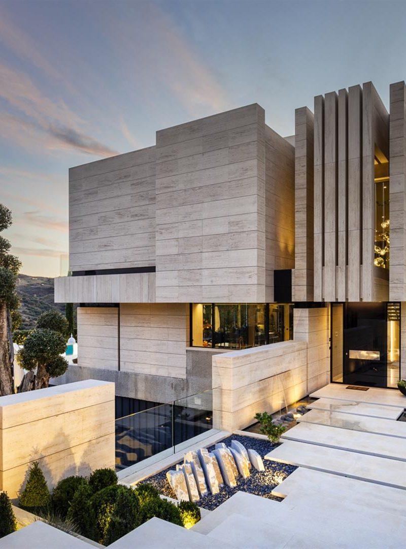 Zamieszkaj w Hiszpanii, w luksusowej willi projektu Joaquina Torresa