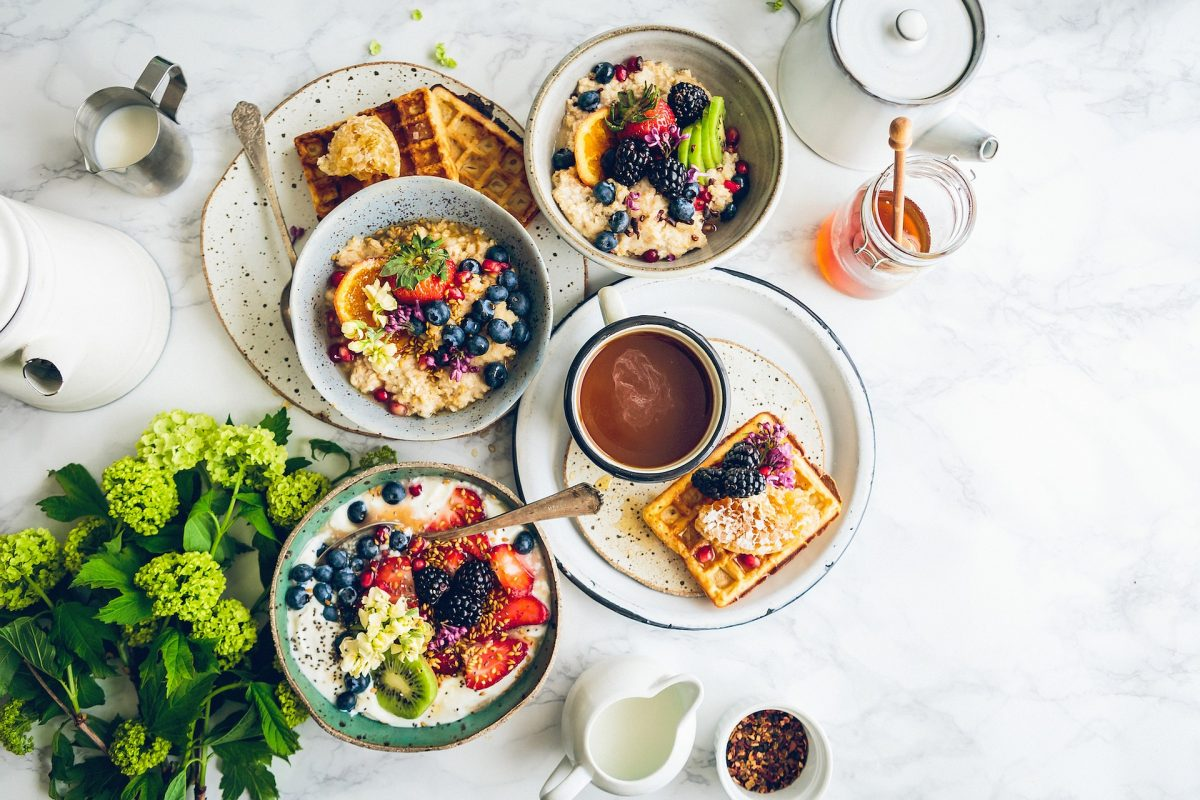 Poznaj sprawdzone miejsca na śniadanie w Marbelli!